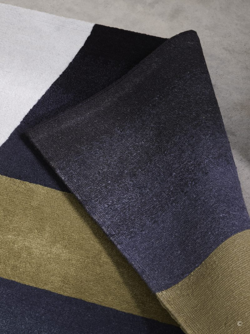 Deirdre Dyson LIGHT BETWEEN bespoke hand knotted wool and silk r